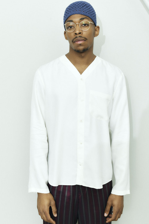 V NECK SILK TOUCH SHIRT