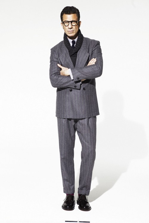 INVESTMENT BANKERS LOOK